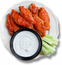 Крильця Баффало (Buffalo Wings with Blue Cheese Sauce)